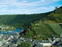 Bei einer Radtour durch die Moselberge oder entlang des Ufers sollten Sie sich auch die Städte und Sehenswürdigkeiten im Mosel-Saar-Ruwer Gebiet ansehen.