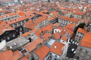 Clermont Ferrand hat einige Sehenswürdigkeiten zu bieten. Die Basilika Notre-Dame-Du-Port ist nur eine davon. (#1)