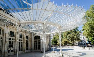 Auch die Opera de Vichy zählt zu den Wahrzeichen der kleinen Stadt in der Auvergne. (#3)