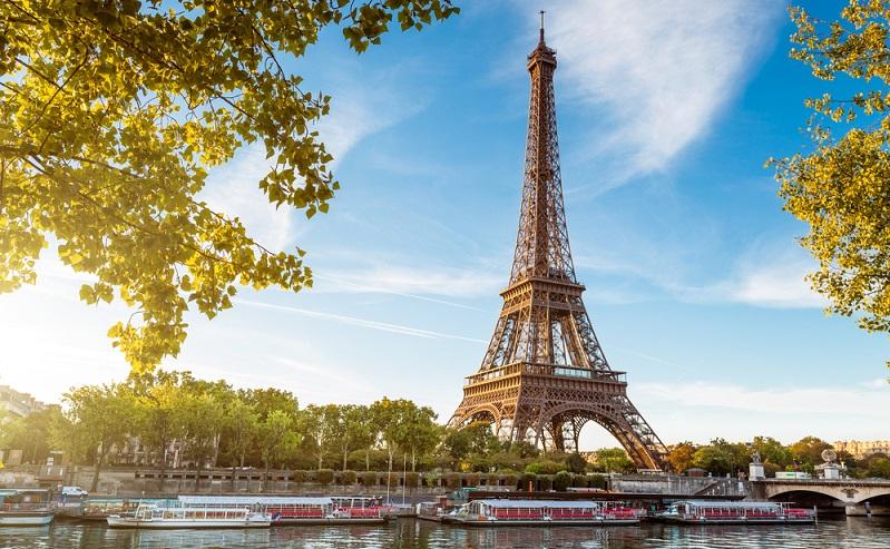 In den letzten Jahrzehnten haben die Städtereisen stark zugenommen. Die Städtereisen nach Frankreich bilden da keine Ausnahme. Der Anstieg begann bereits Mitte der 90er-Jahre, spätestens 1995. Seit jenem Jahr ging die Zahl der Städtereisen kontinuierlich nach oben.(#03)