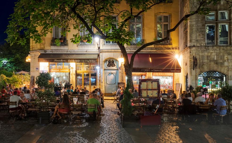 Auvergne-Galerie, Foto #2: Dies ist eine Bouchon Lyonnais - ein traditionelles Restaurant in Lyon, das es so nur hier gibt. Die regionale Küche darf man hier erwarten, für die Lyon weltberühmt ist. (#2)