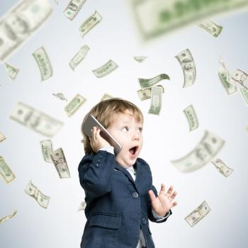 In vielen Ländern wurden die Roaming Gebühren bereits abgeschafft. In anderen kann es weiterhin teuer werden. (Foto: Shutterstock - ImageFlow)